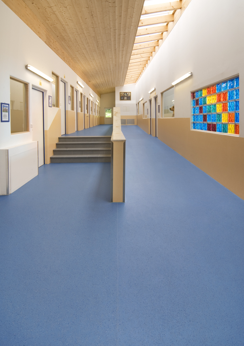 Altro Contrax Light Beige Cx2001 From Safety Flooring Uk